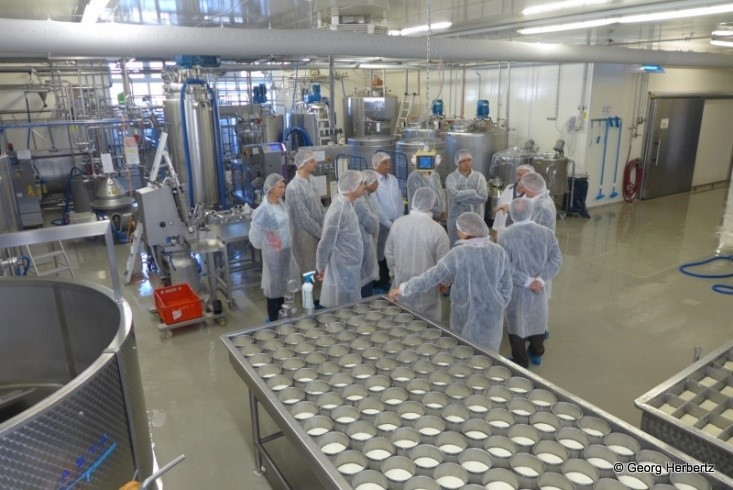 Demonstration of dairy technology